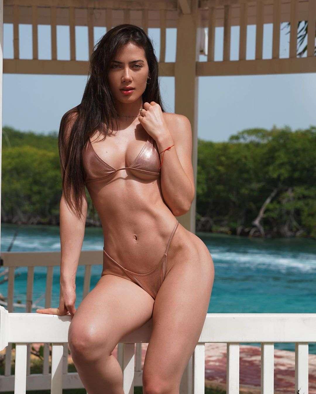 Georgina Mazzeo nude & sexy