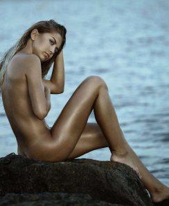 Tetyana Hulyo nude