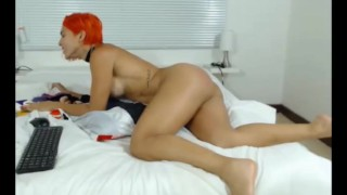 Sexy fitness cam girl