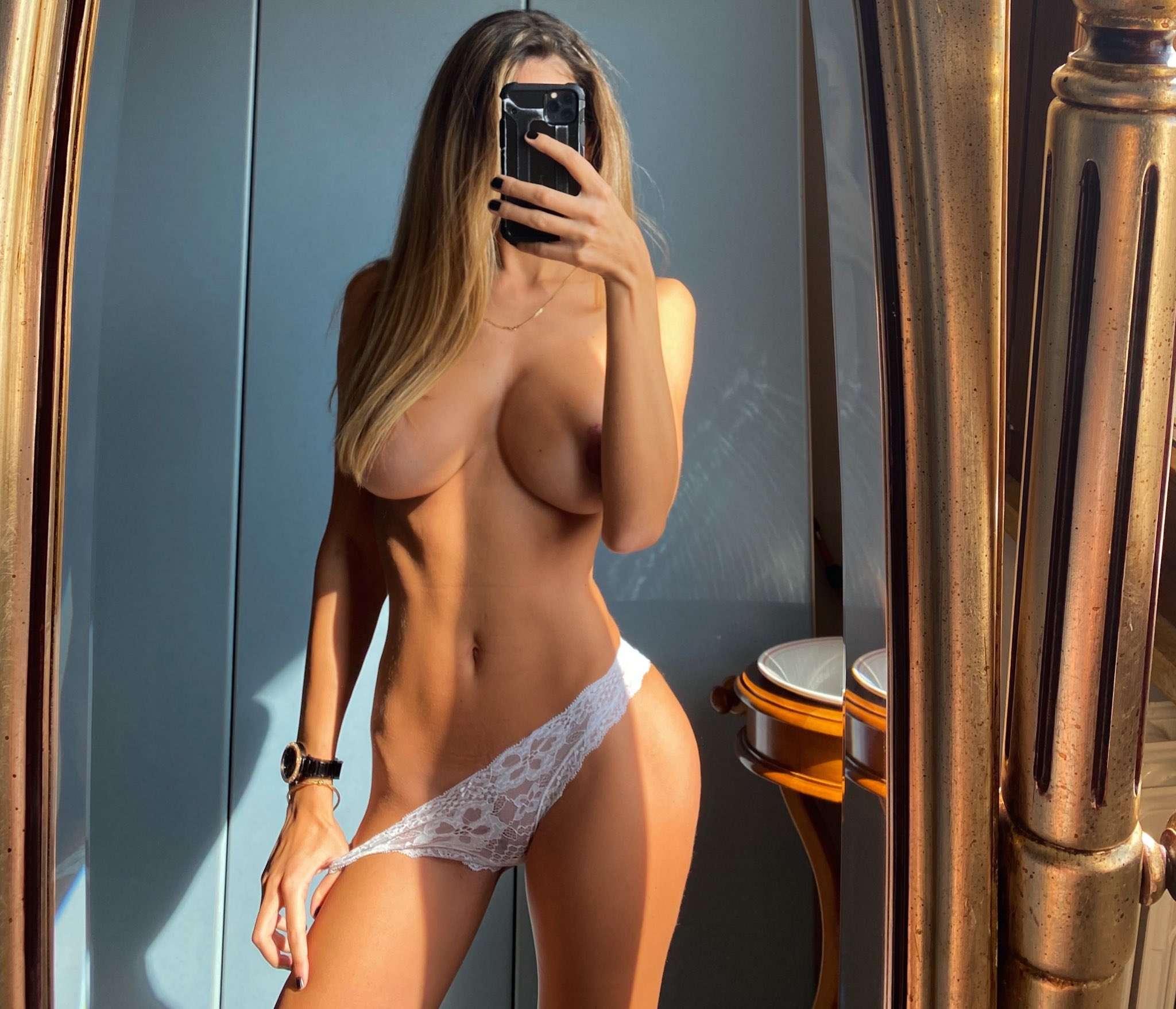 Roberta Naked