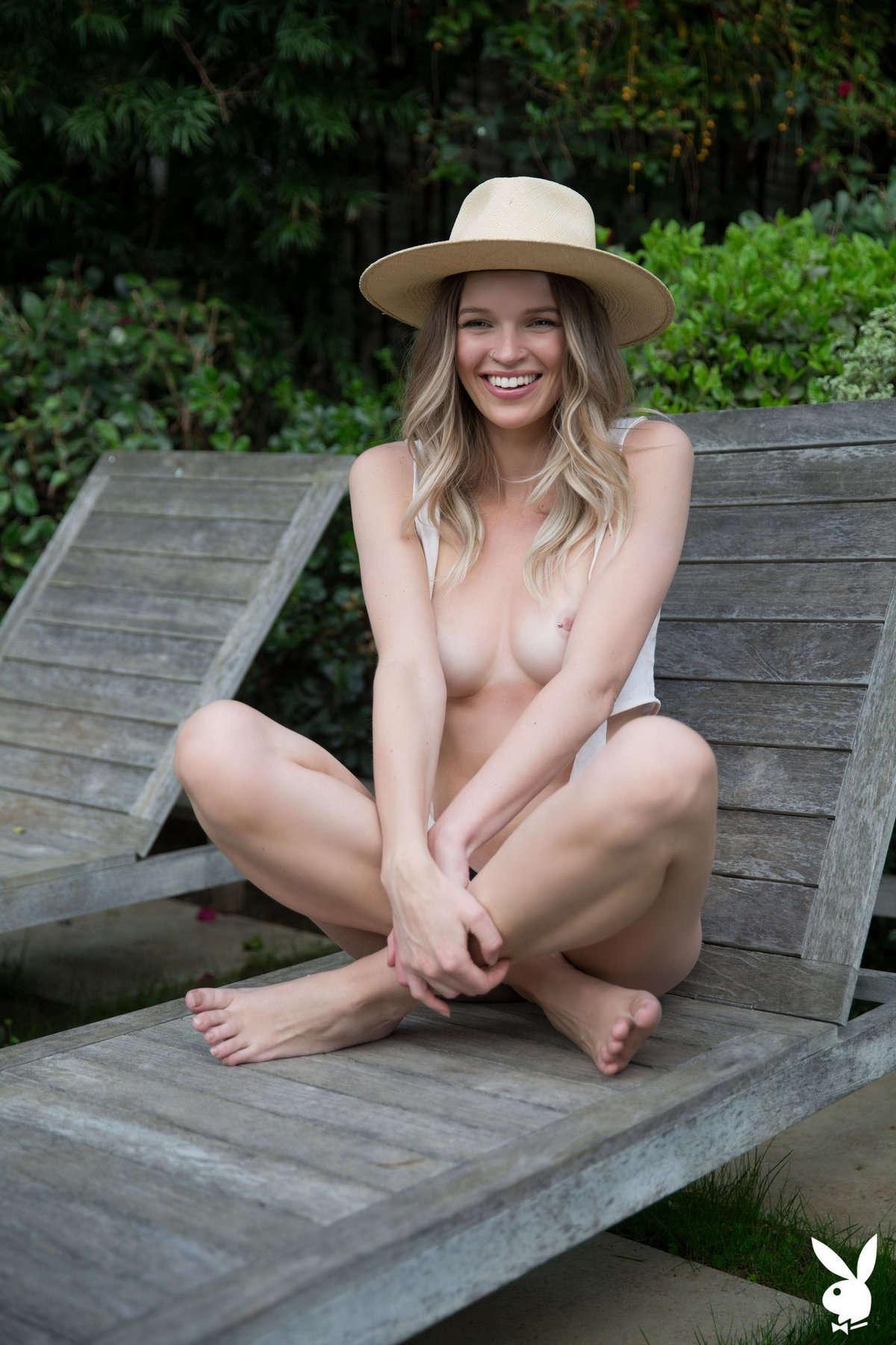 Nackt Brooke Lorraine  Excellent Brooke