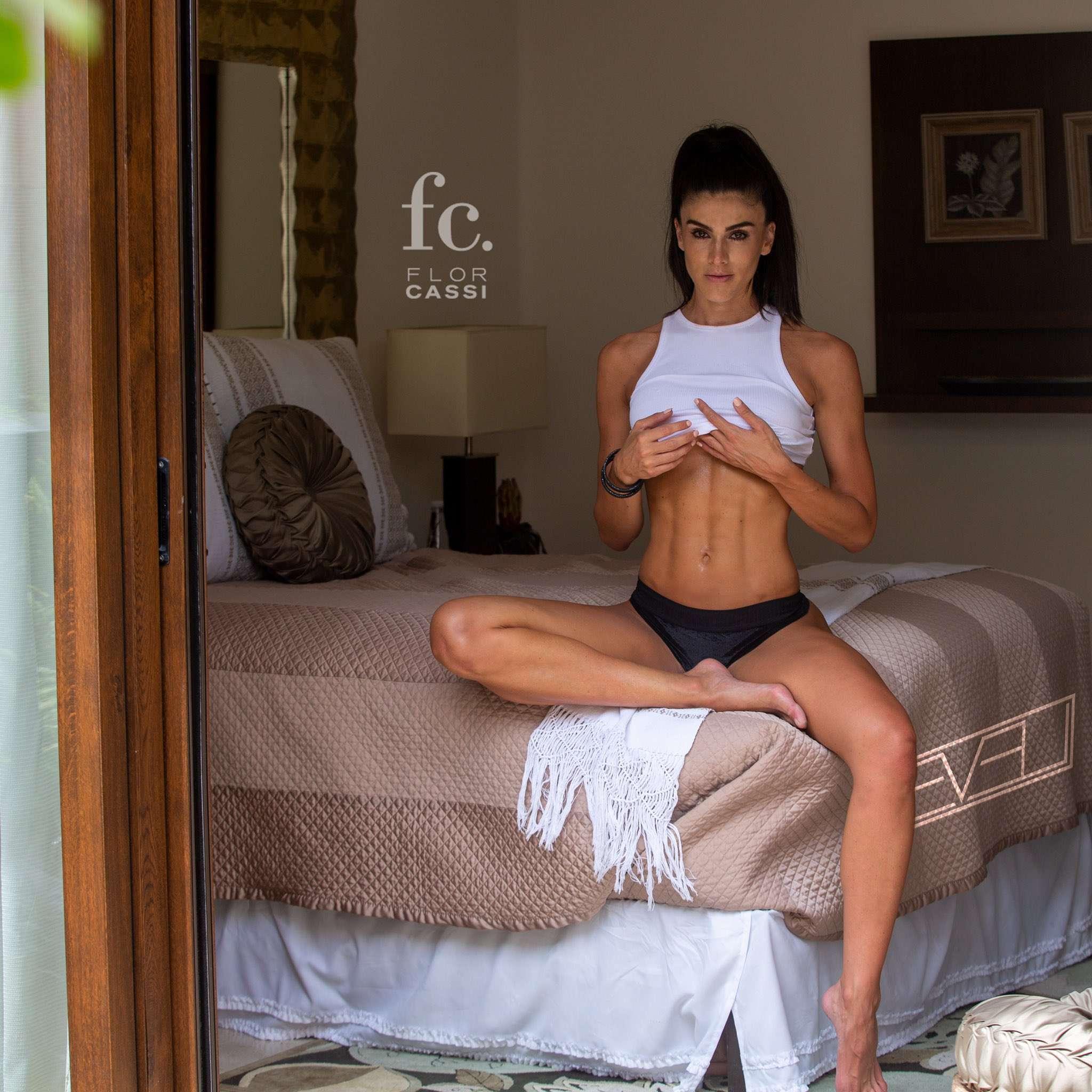 Flor Cassi  nackt