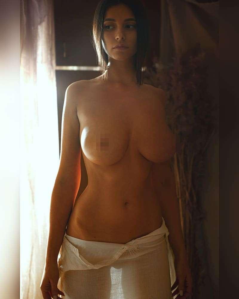 Nude picture Melania Trump's