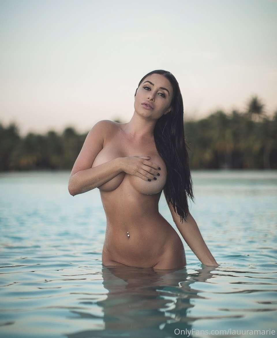 Laura Marie  nackt