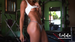 Fit Nude Girlfriend Fucked Hard in the Gym